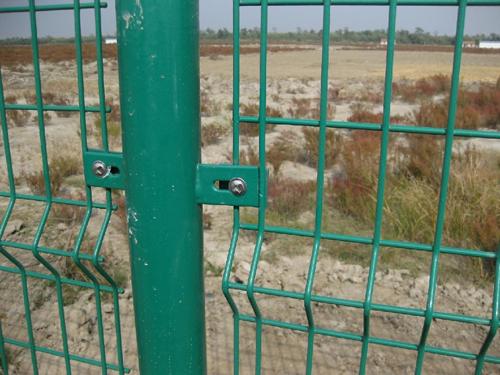 双边丝护栏1